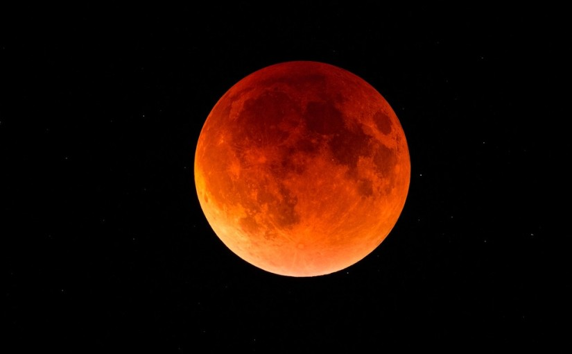 Blood-Moon: The Eclipse